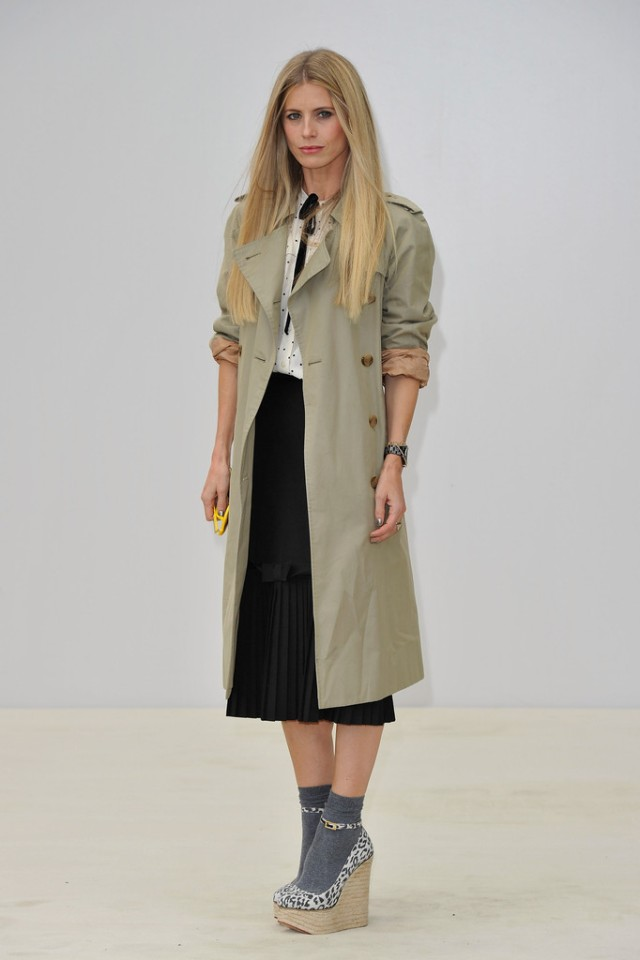 Laura_Bailey_Burberry_Spring_Summer_2012_Womensw