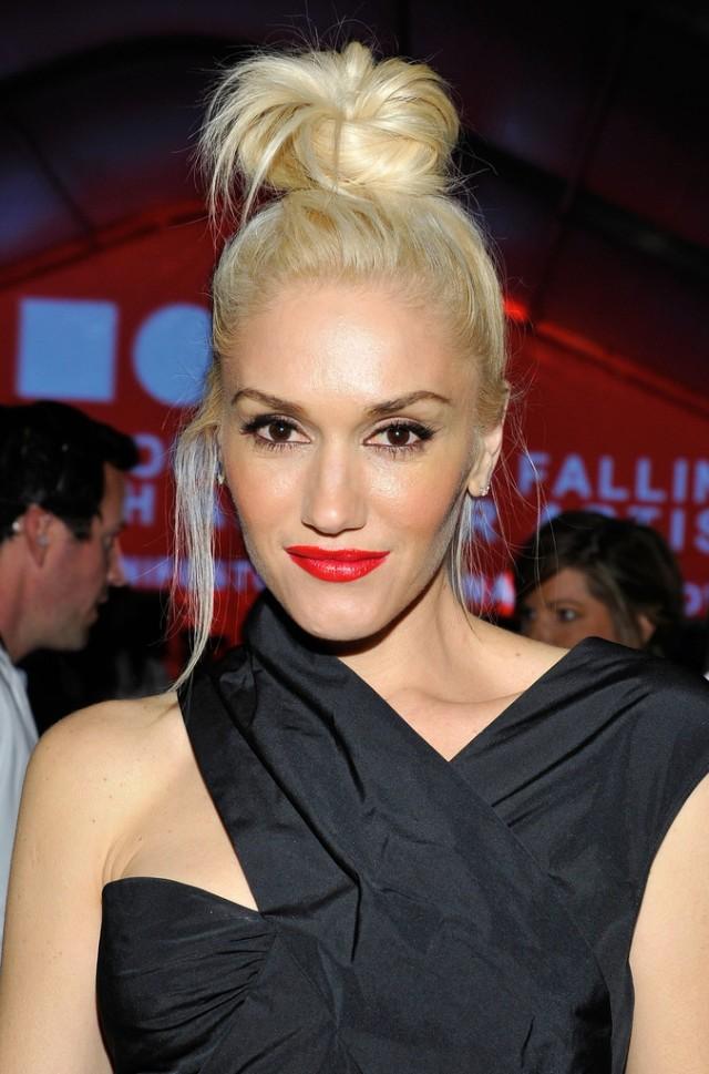 Gwen+Stefani+Updos+Hair+Knot+33Gd6AgLWxAx