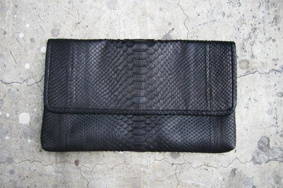 Black Flap Fold Over Python Snakeskin Leather Clutch - €74.68