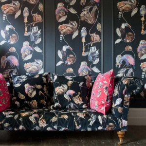 HACKNEY EMPIRE wallpaper and sofa fabric